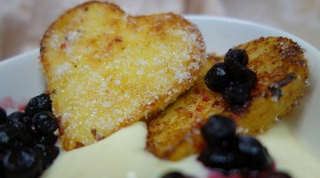 French Toast in Herzform