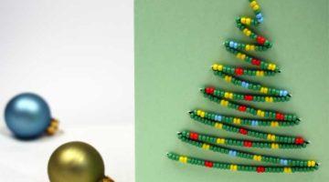 karte-mit-weihnachtsbaum-aus-perlen