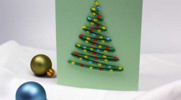 Karte mit Weihnachtsbaum aus Perlen