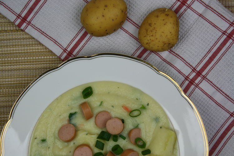 kartoffelsuppe-mit-wuerstchen-rezeptbild2
