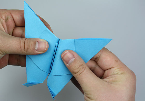 origami-schmetterling-falten-schritt-30