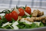 Salat mit Putenstreifen und Parmesan