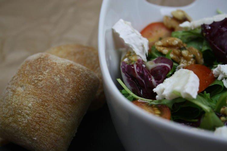 salat-mit-ziegenkaese-und-walnuessen-rezeptbild1